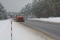 На Зельвенщине организованно борются со снегопадами