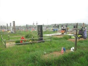 О порядке на кладбищах важно не забывать